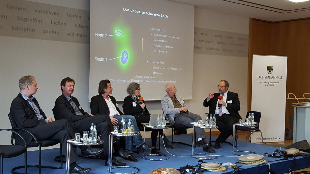 Symposium-Teilnehmende-konvertiert